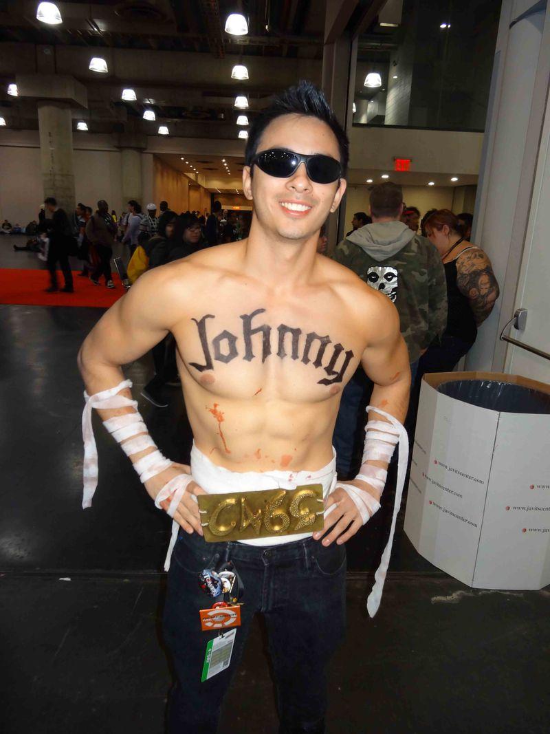 Comic Con shirtless Johnny
