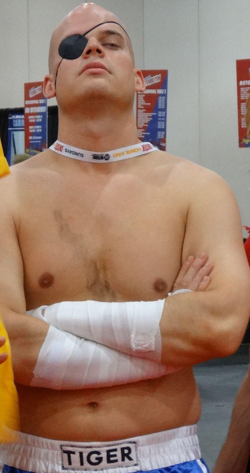 Comic Con shirtless boxer 2