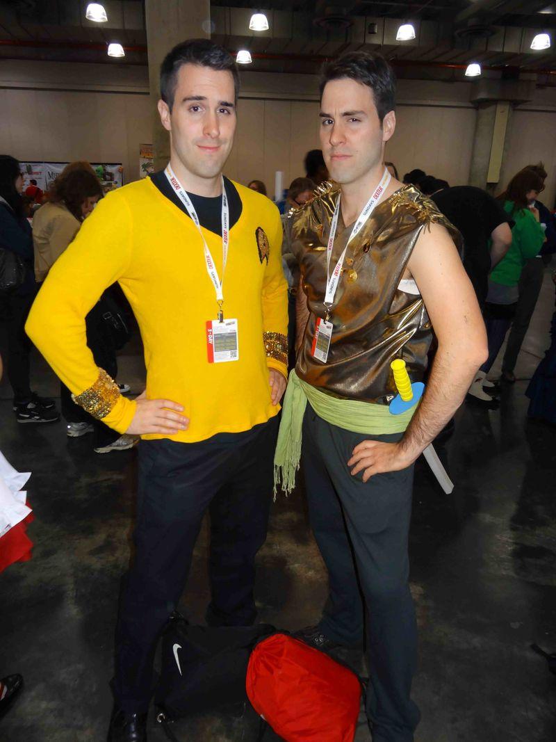 Comic Con twins