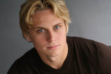 Billy-Magnussen-hot-headshot