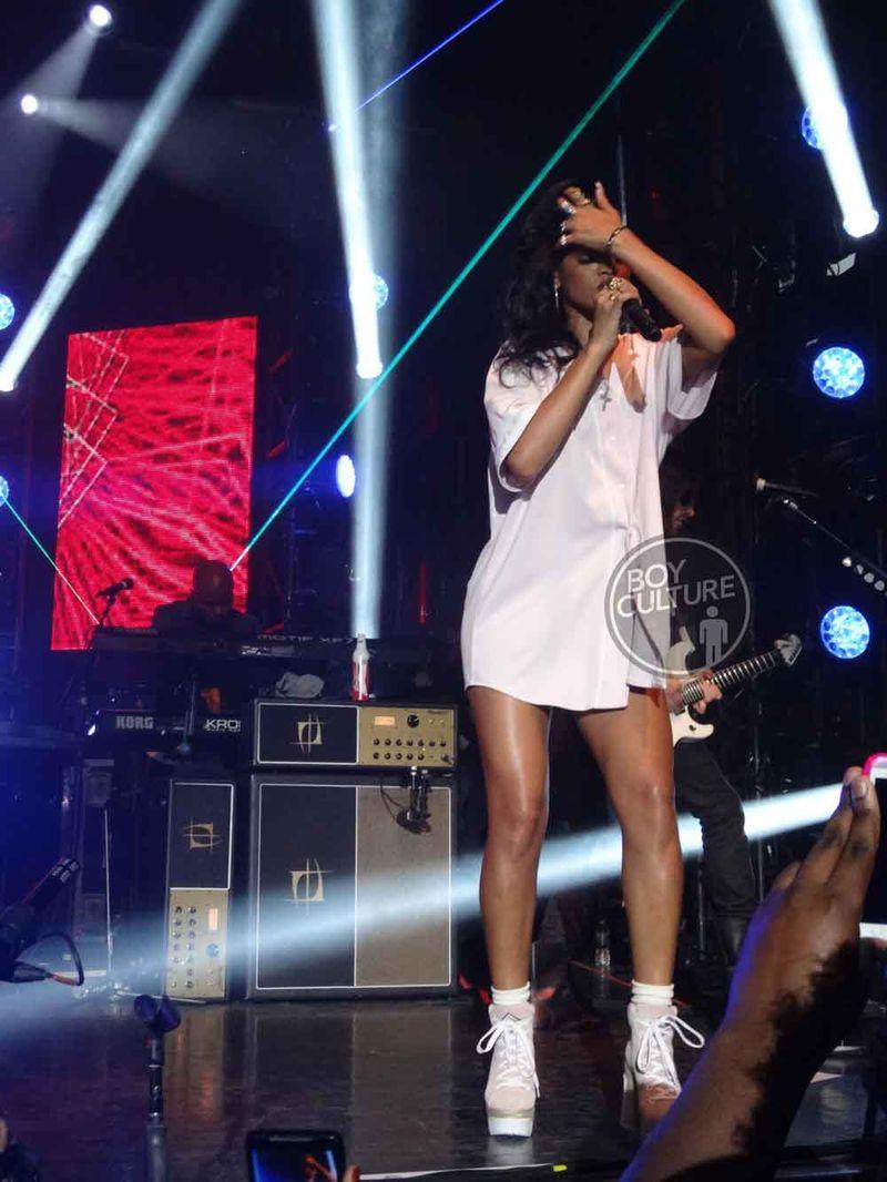 Rihanna-777-NYC-1