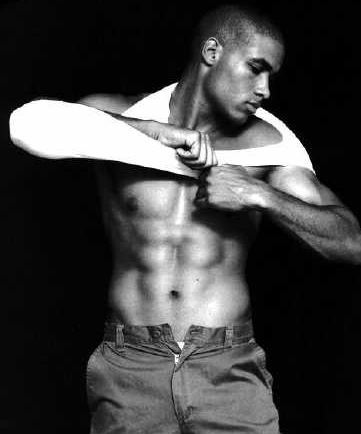 Boris-Kodjoe-shirtless
