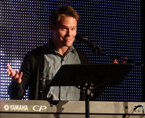 Sing-Queer-as-Folk-Randy Harrison