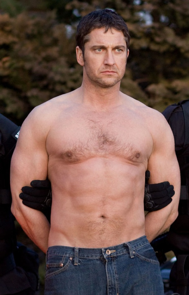 49-Gerard-Butler-shirtless