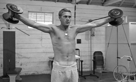 Wow-Steve-McQueen-shirtless-sexy-hot