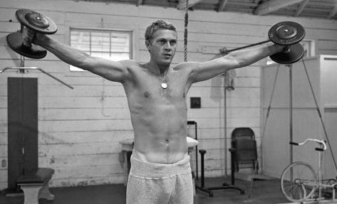 Wow-Steve-McQueen-shirtless-sexy-hot