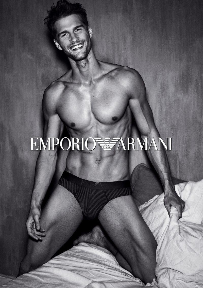 Tomas-skoloudik-emporio-armani-underwear-campaign3
