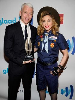 20130317-pictures-madonna-glaad-media-awards-hq-02