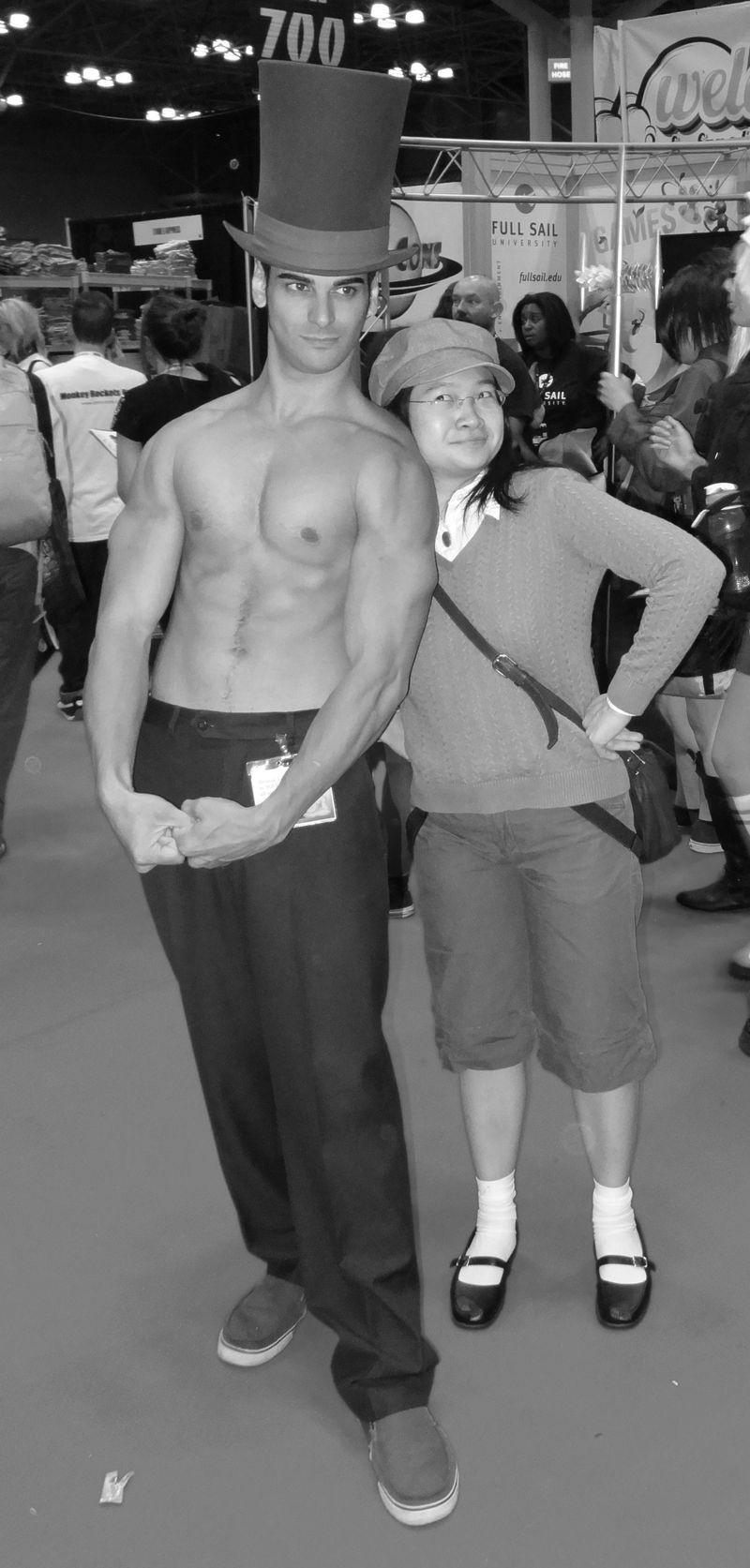 Comic Con shirtless hottie again