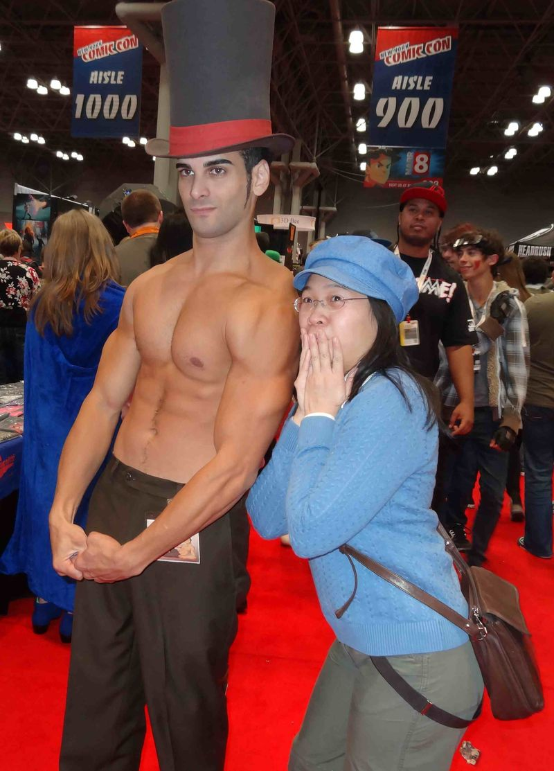 *Comic Con shirtless hottie