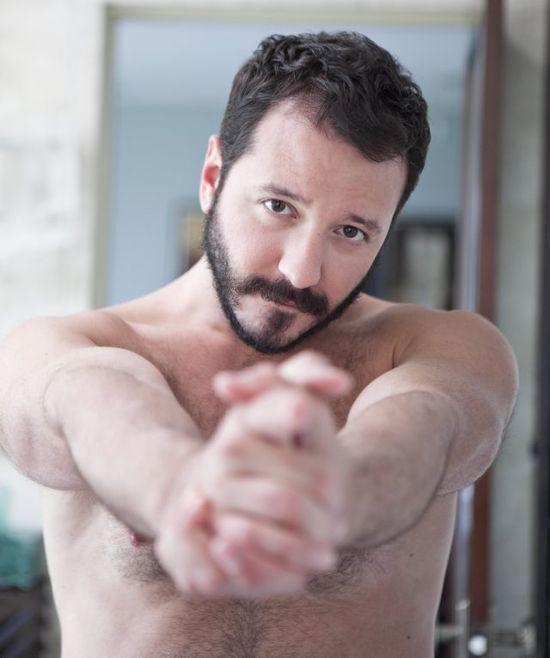 Will Bethencourt shirtless