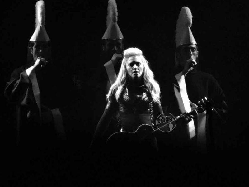 Madonna MDNA Yankee 18