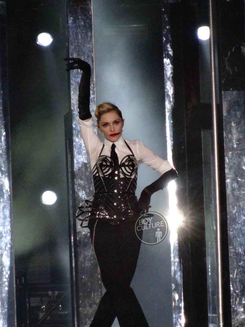 Madonna MDNA Yankee 31