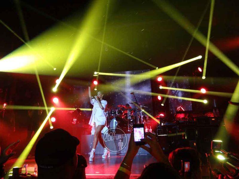 Rihanna-777-NYC-3