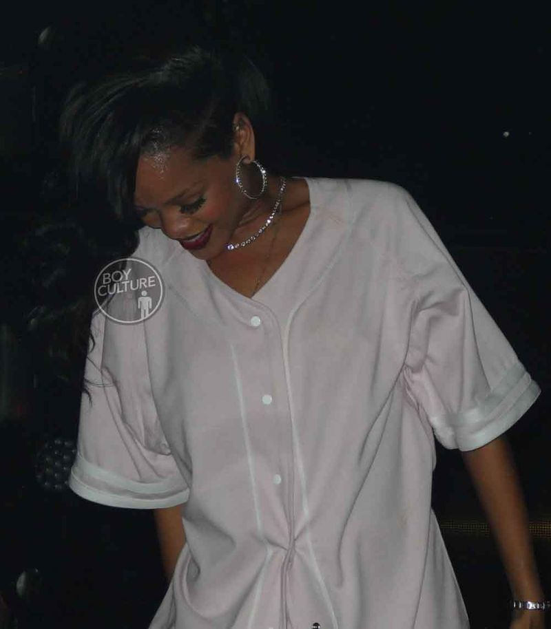 Rihanna-777-NYC-4