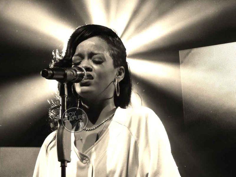 Rihanna-777-NYC-6