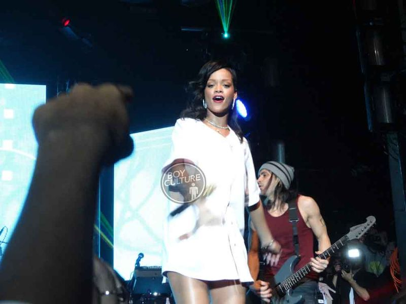 Rihanna-777-NYC-11