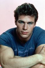 Jon-Erik-Hexum-eyes