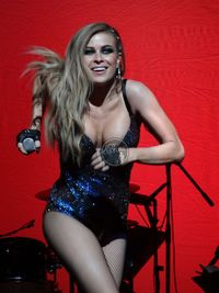 Carmen-Electra-I-Like-It-Loud