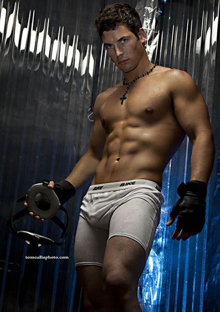 Shirtless-underwear-model