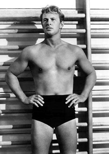 41-sterling-hayden-shirtless