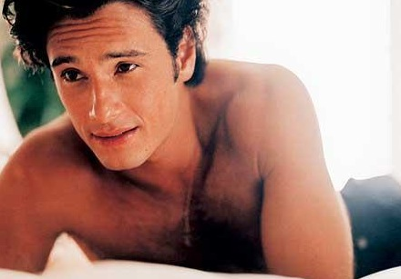 Rodrigo-Santoro-shirtless