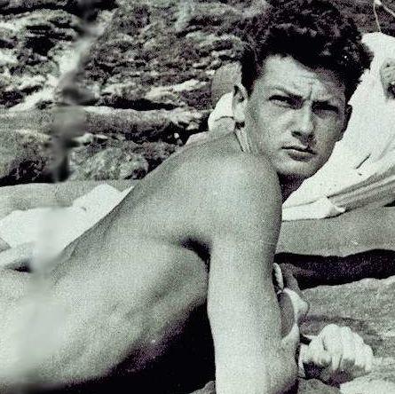 Jean-Cocteau-Jean-Marais-nude-beaching-1939