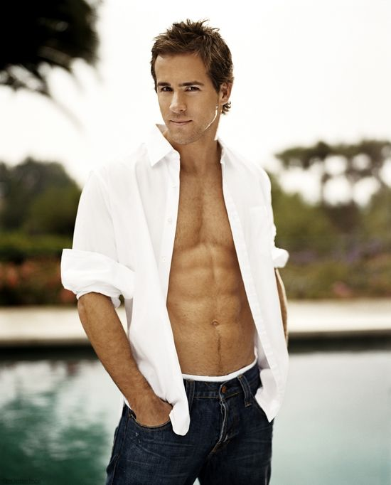 Ryan-Reynolds-shirt-open