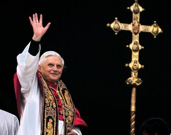 Pope-benedict-resigns5-10022013-jpg_123904