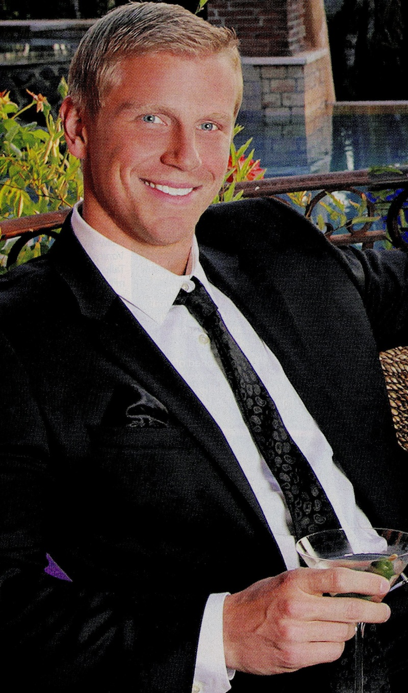 Sean-Lowe-hot-suit