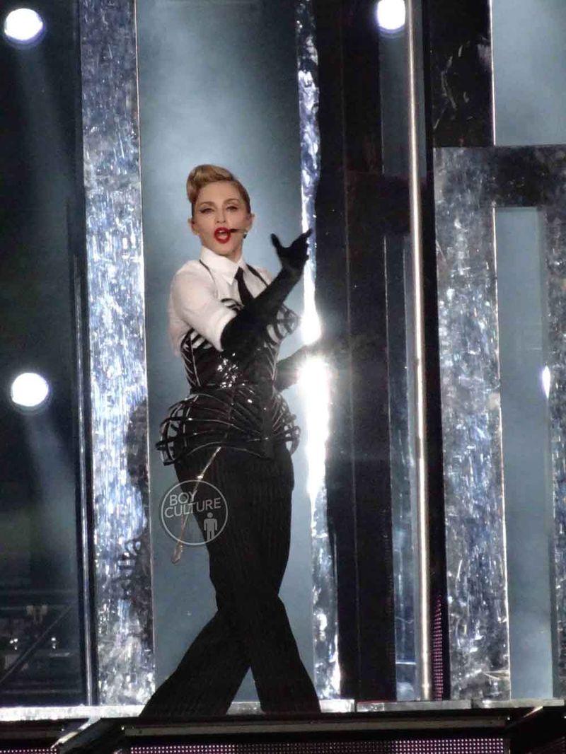 Madonna MDNA Yankee 32