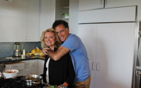Mitt-romney-ann-thanksgiving-facebook-photo