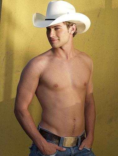 Chace-Crawford-shirtless