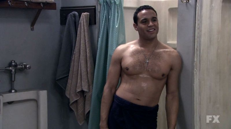 Daniel-sunjata-shirtless-rescue-me-3