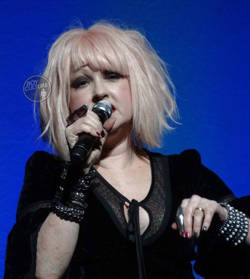 Cyndi-Lauper-Home-for-the-Holidays-2