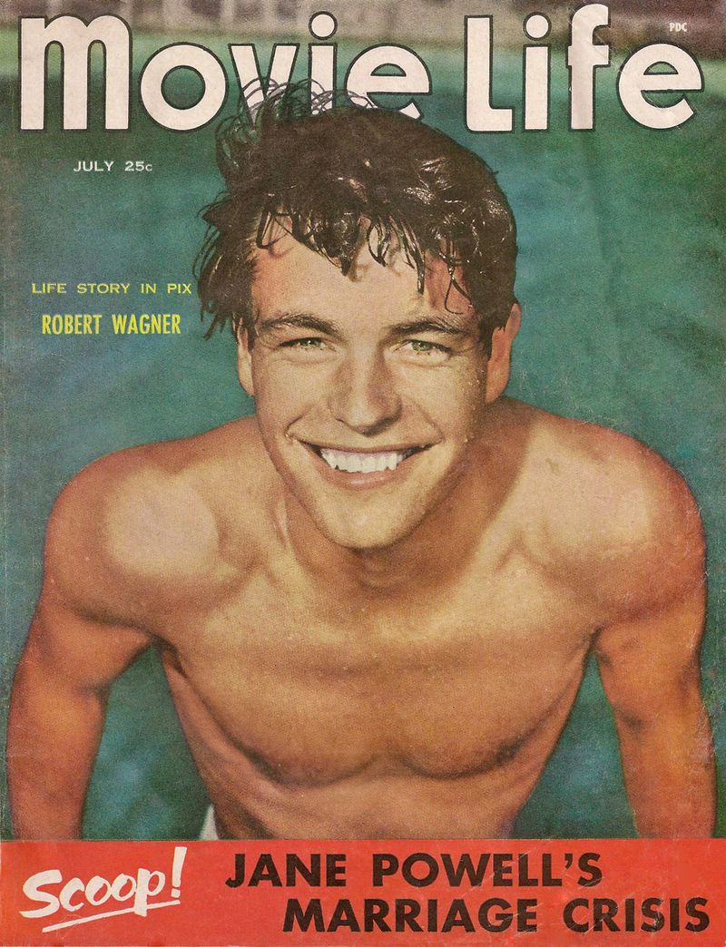 48-Robert-Wagner-shirtless