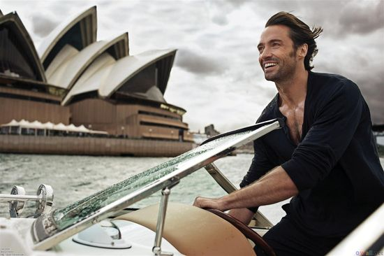 Hugh-Jackman-being-hot-hugh-jackman-23535884-2000-1331
