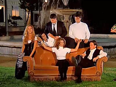 Friends-opening-scene.jpg