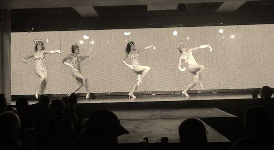 DSC06281 dancing girls