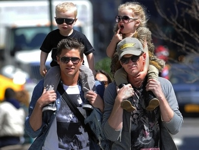 Neil-patrick-harris-family-park-04162013-lead01-435x580