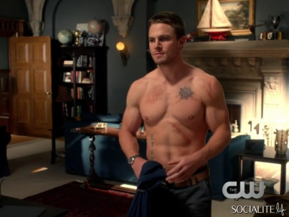 Stephen-amell-arrow-10182012-09-580x435
