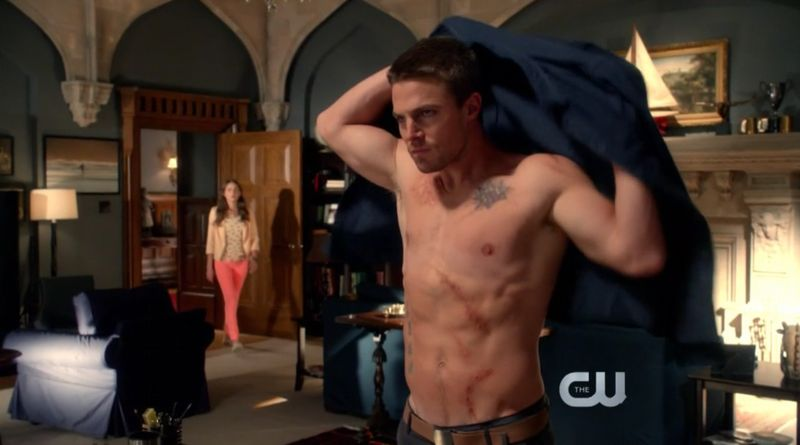 Stephen-amell-arrow-10182012-10