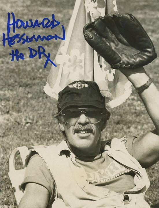 Howard-Hesseman-autograph
