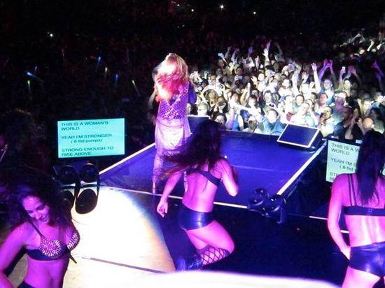 Cher-teleprompter