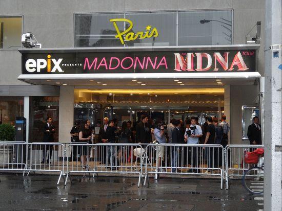 Madonna-MDNA-1