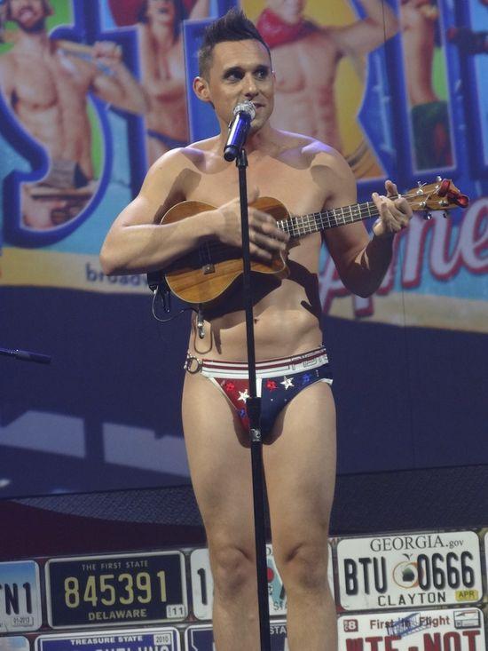 DSC09892 Broadway Bares singer front