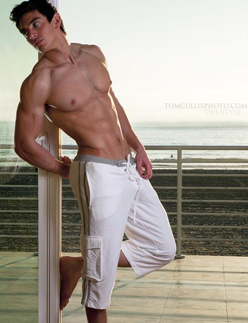 Steve-chatham-shirtless