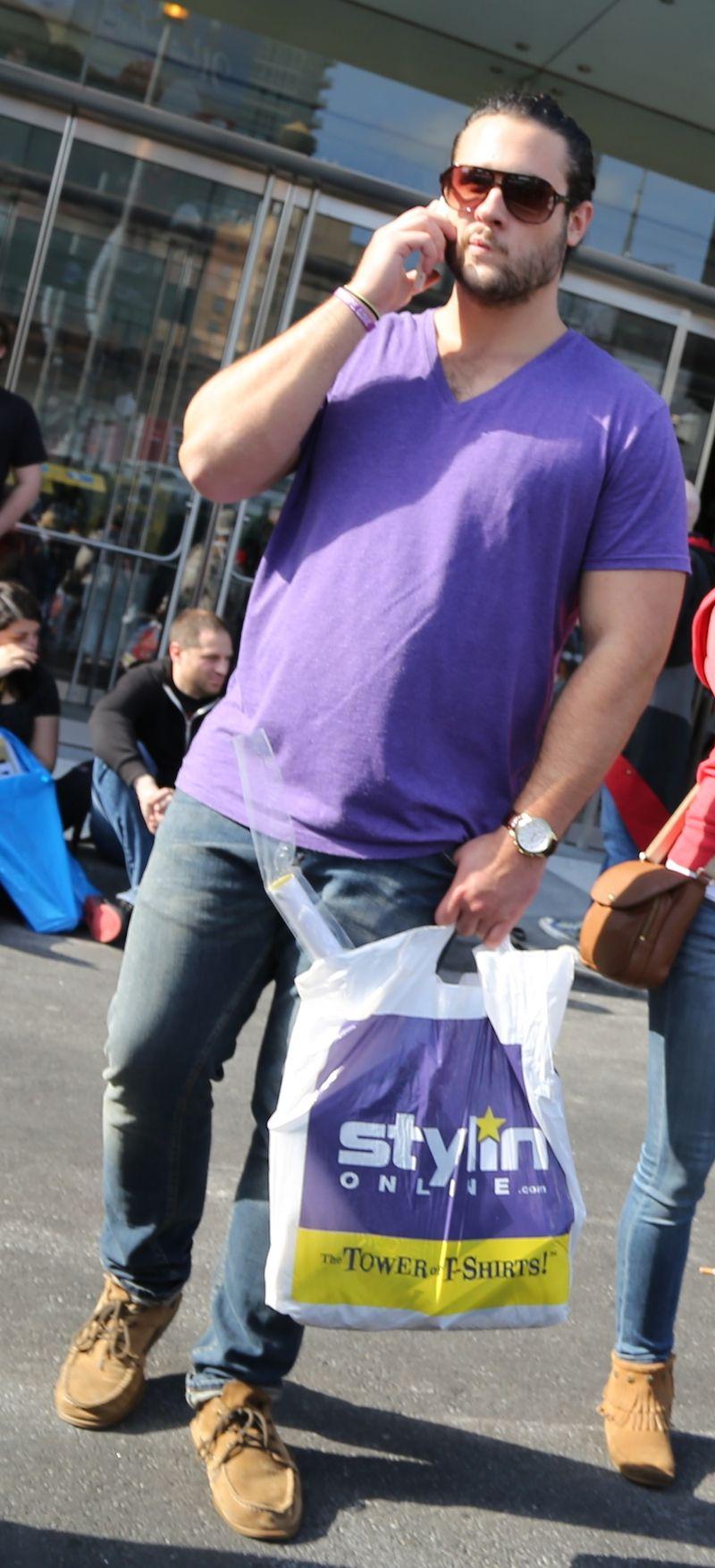 Purple shirt ny comic con