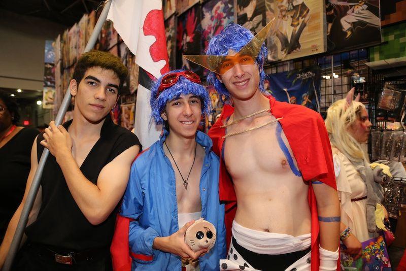 Hot shirtless guys comic con