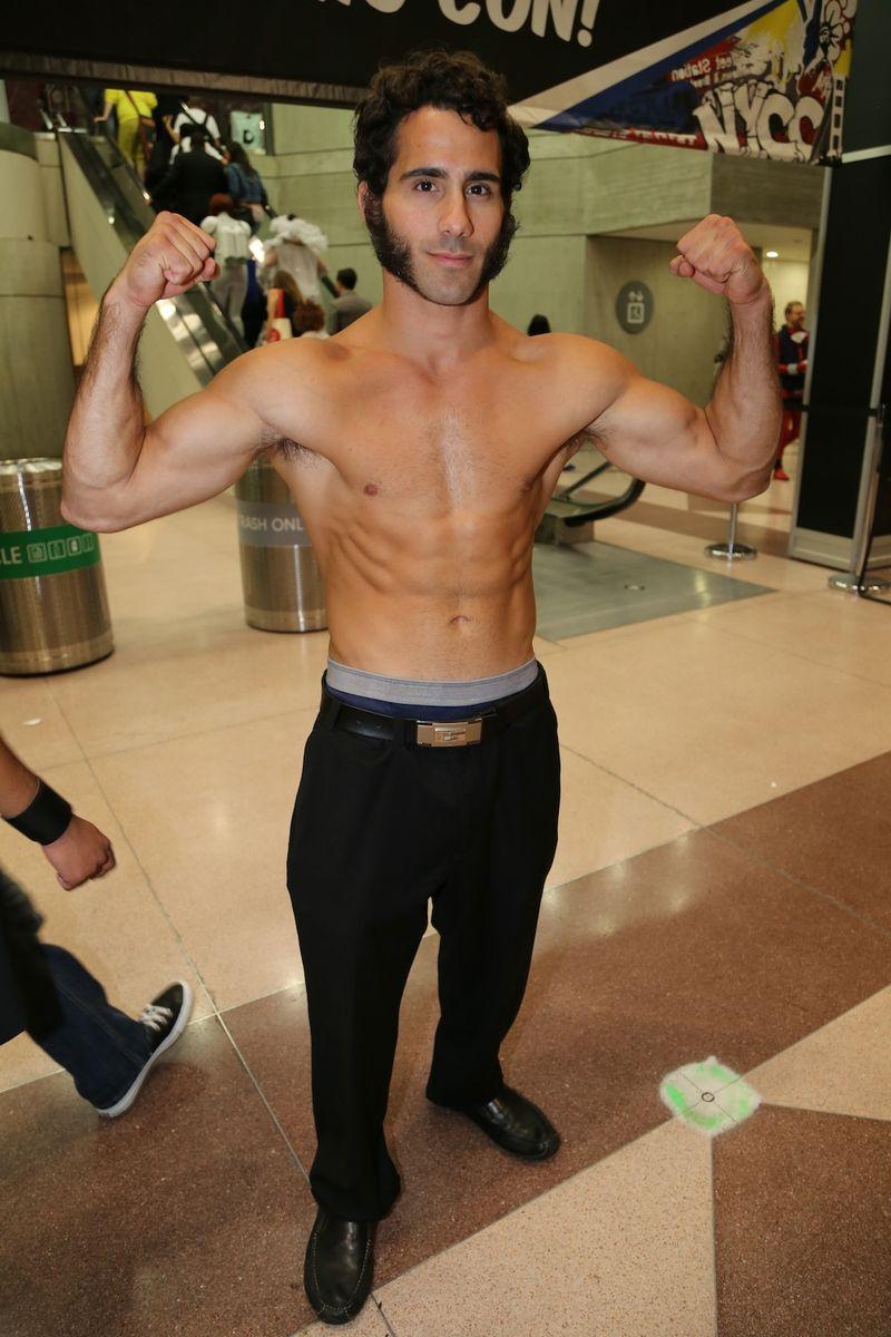 Wolverine 2 Comic Con shirtless